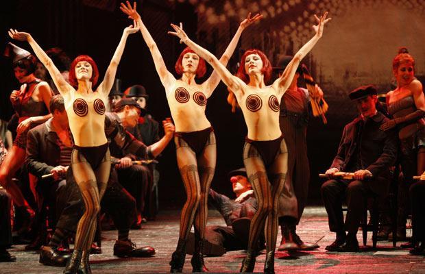 big-hipps-nude-ladies-in-opera