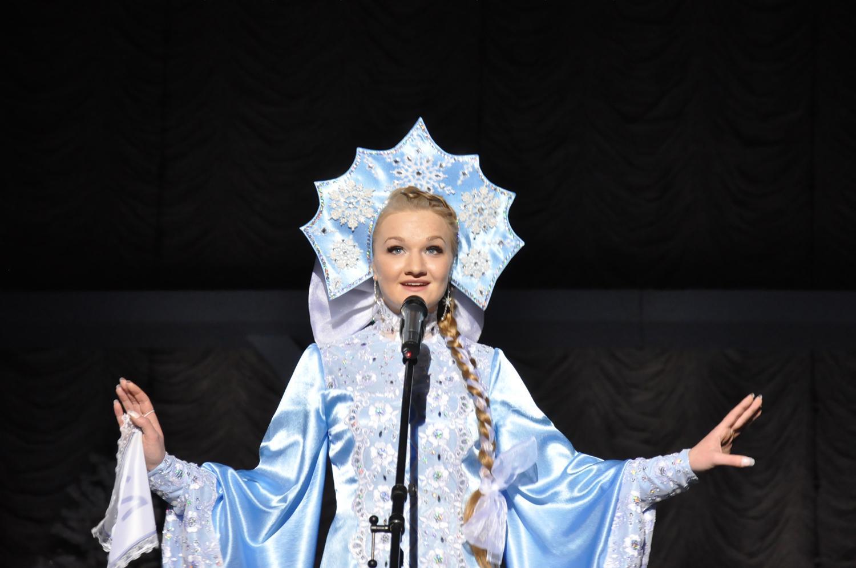 Фото красивых девушек в костюме снегурочки 12 фотография
