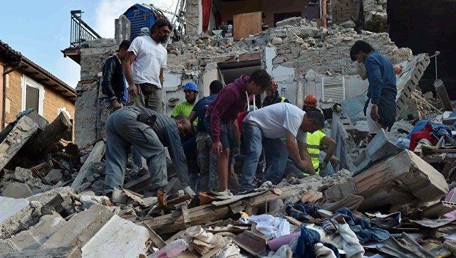 ВИталии девочка спасла сестренку, накрыв еесвоим телом впроцессе землетрясения