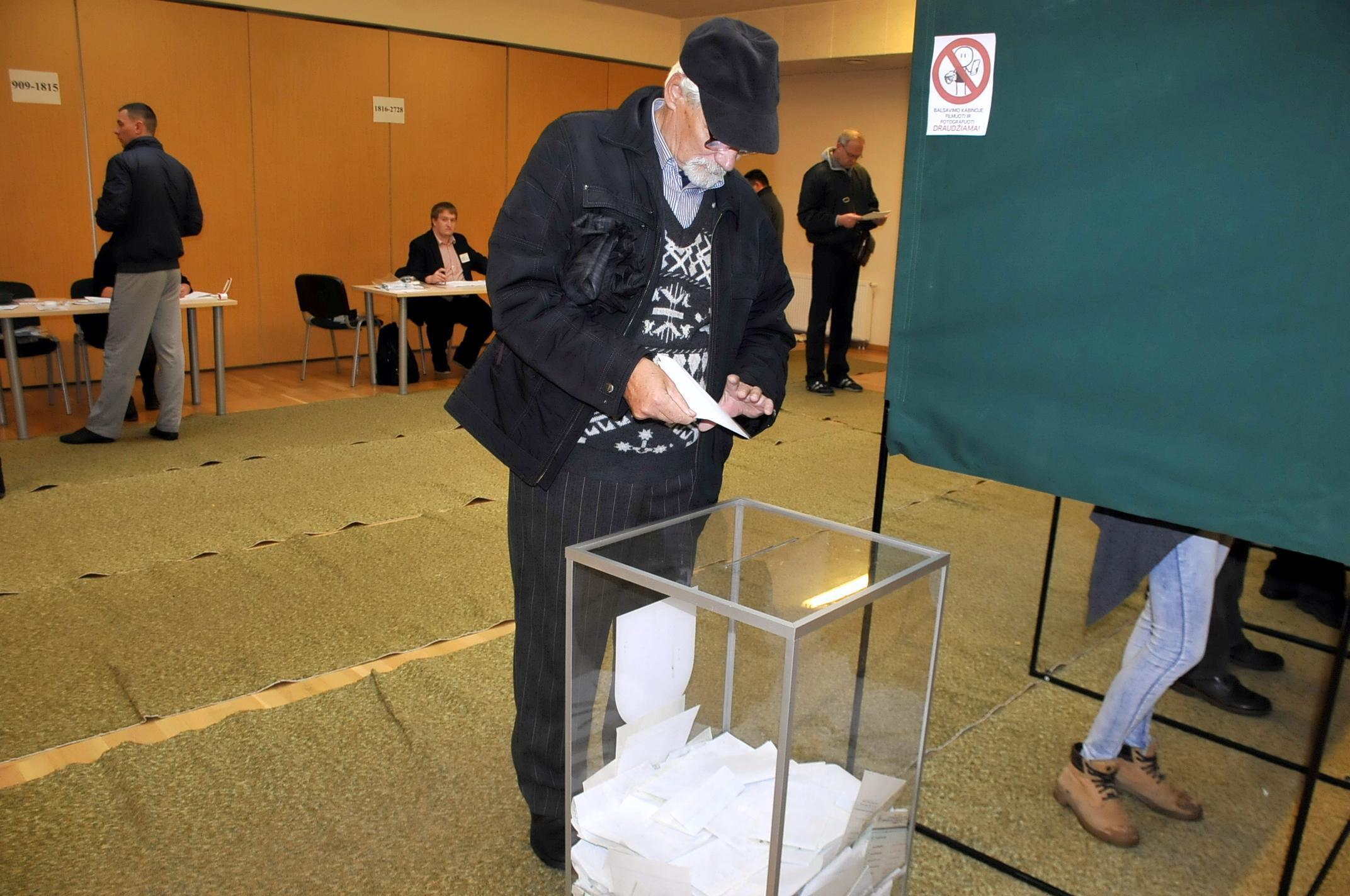 Навыборах впарламент Литвы выигрывает «Союз крестьян изеленых»