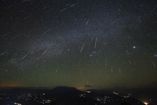 Японцы создадут искусственный метеоритный дождь