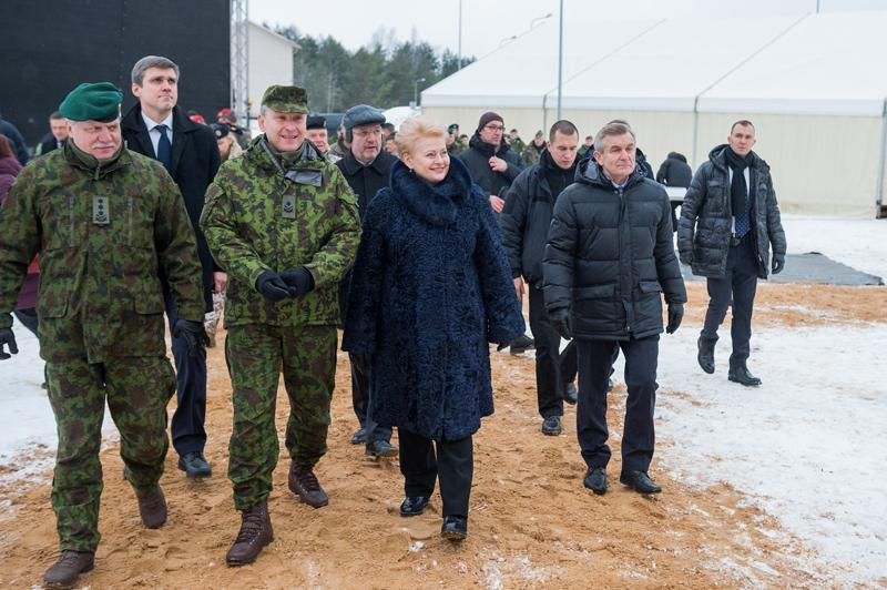 Президент Литвы видит в РФ военную угрозу— Эпилептический психоз