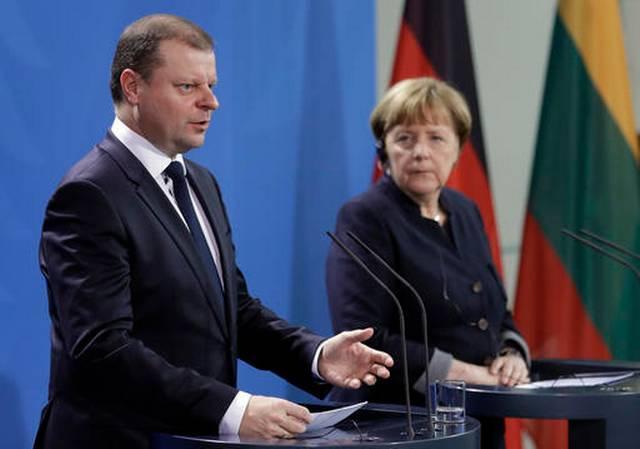Президент Литвы призывает любой ценой остановить строительство Белорусской АЭС