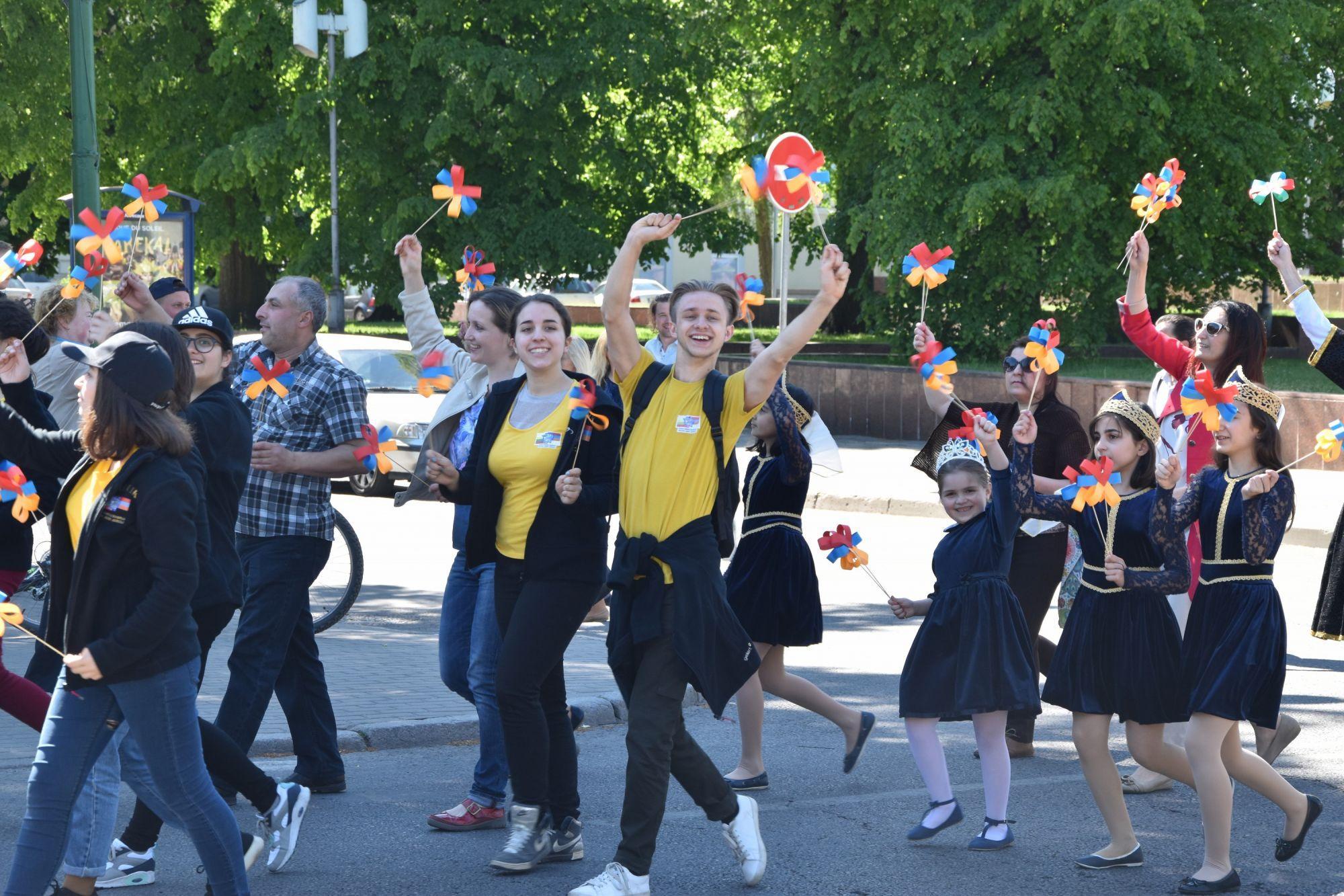 Творческий лагерь в Тракай собрал учеников литовских школ и школ национальных меньшинств