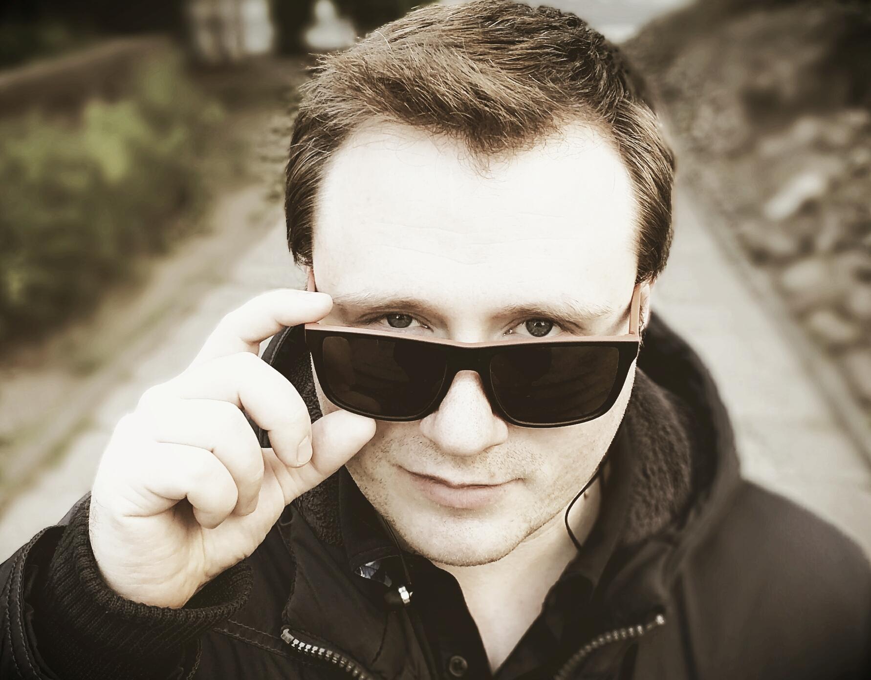 Виктор Аляшевич-ВиК: музыка обязана говорить эмоциями