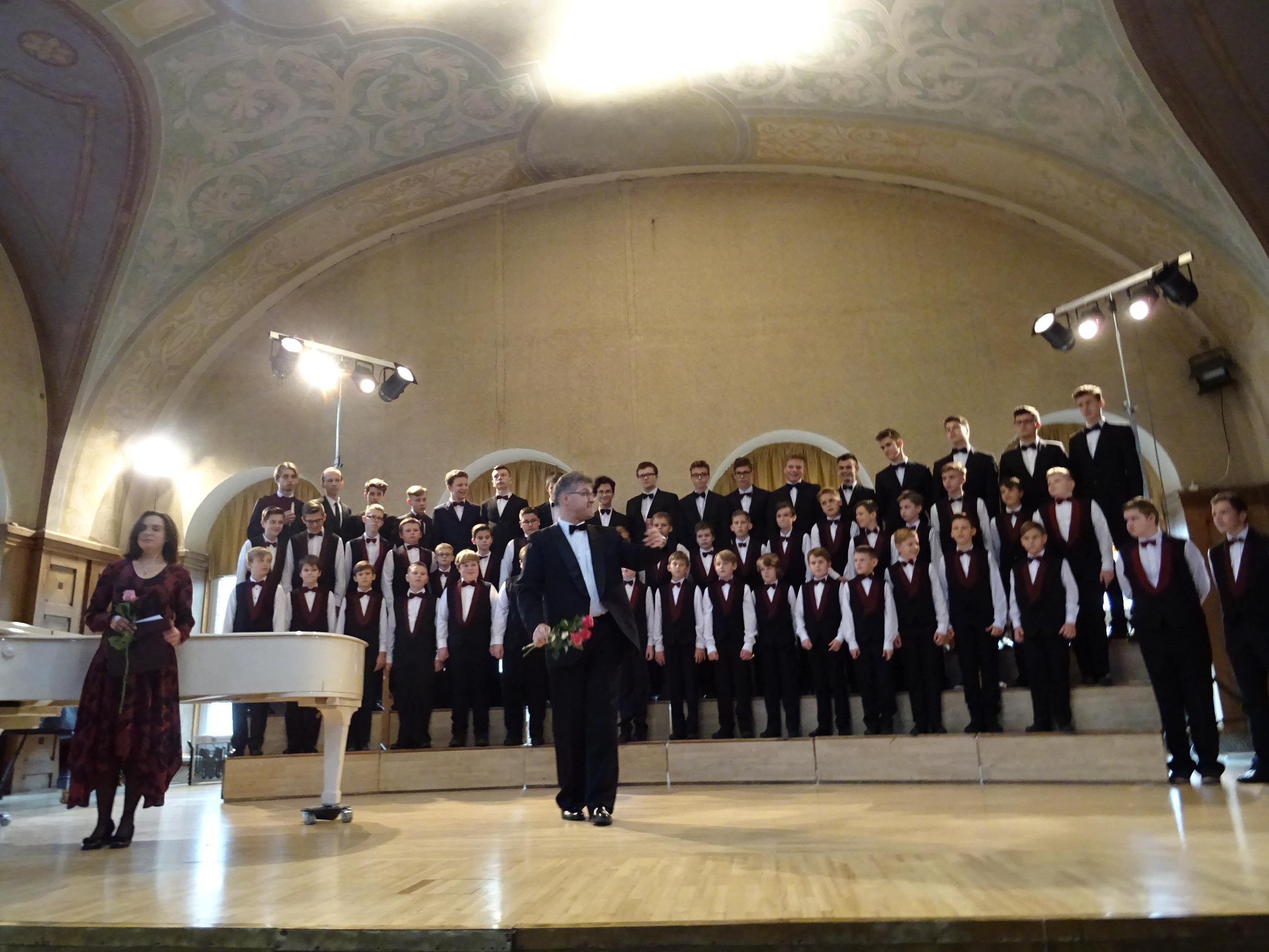В Литве - Большой детский хор имени Попова