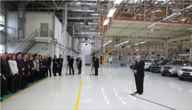 Лукашенко пообещал пересадить чиновников наGeely