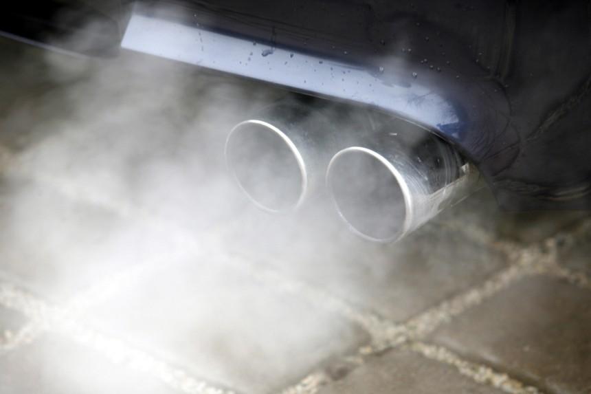Власти Германии осудили тесты автоконцернов с выхлопными газами на людях и животных