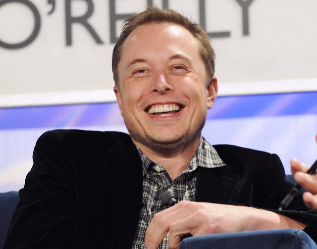 Основатель Tesla начал продавать огнеметы против зомби
