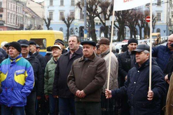 Сторонники Саакашвили проводят в Киеве марш за импичмент Порошенко