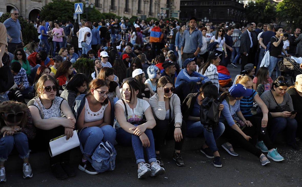 Протестующие установили палатки на главном проспекте Еревана