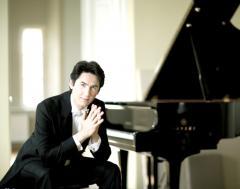 Пианист Каспарас Уинскас  даст в Литве три сольных концерта