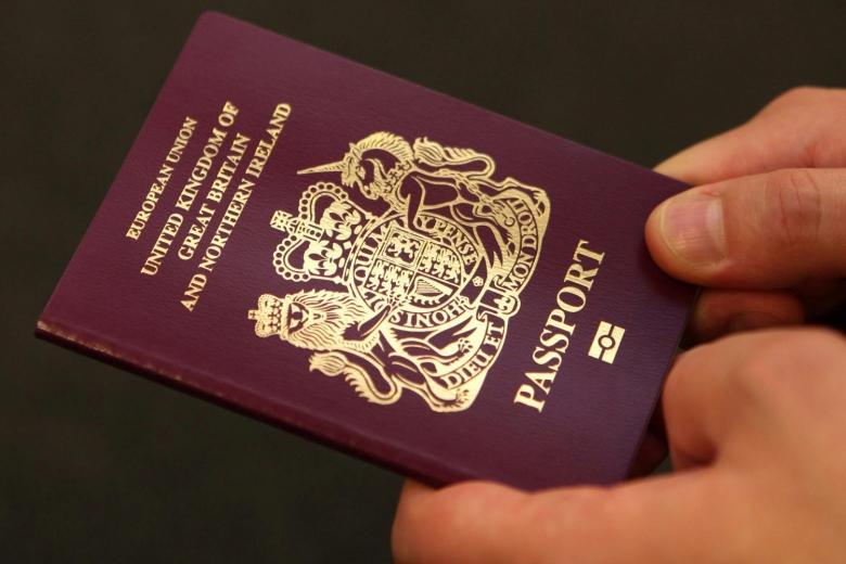 После Brexit английские паспорта возвратят прошлый цвет