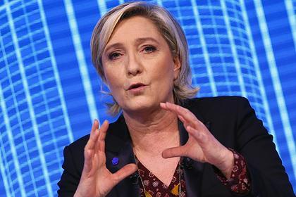 ЛеПен попросила убрать флаг европейского союза  впроцессе  интервью