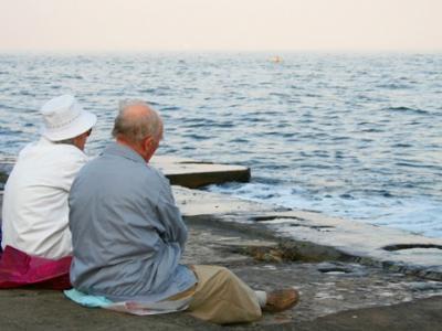 Из быстро пустеющей Литвы предложили сделать международный дом престарелых