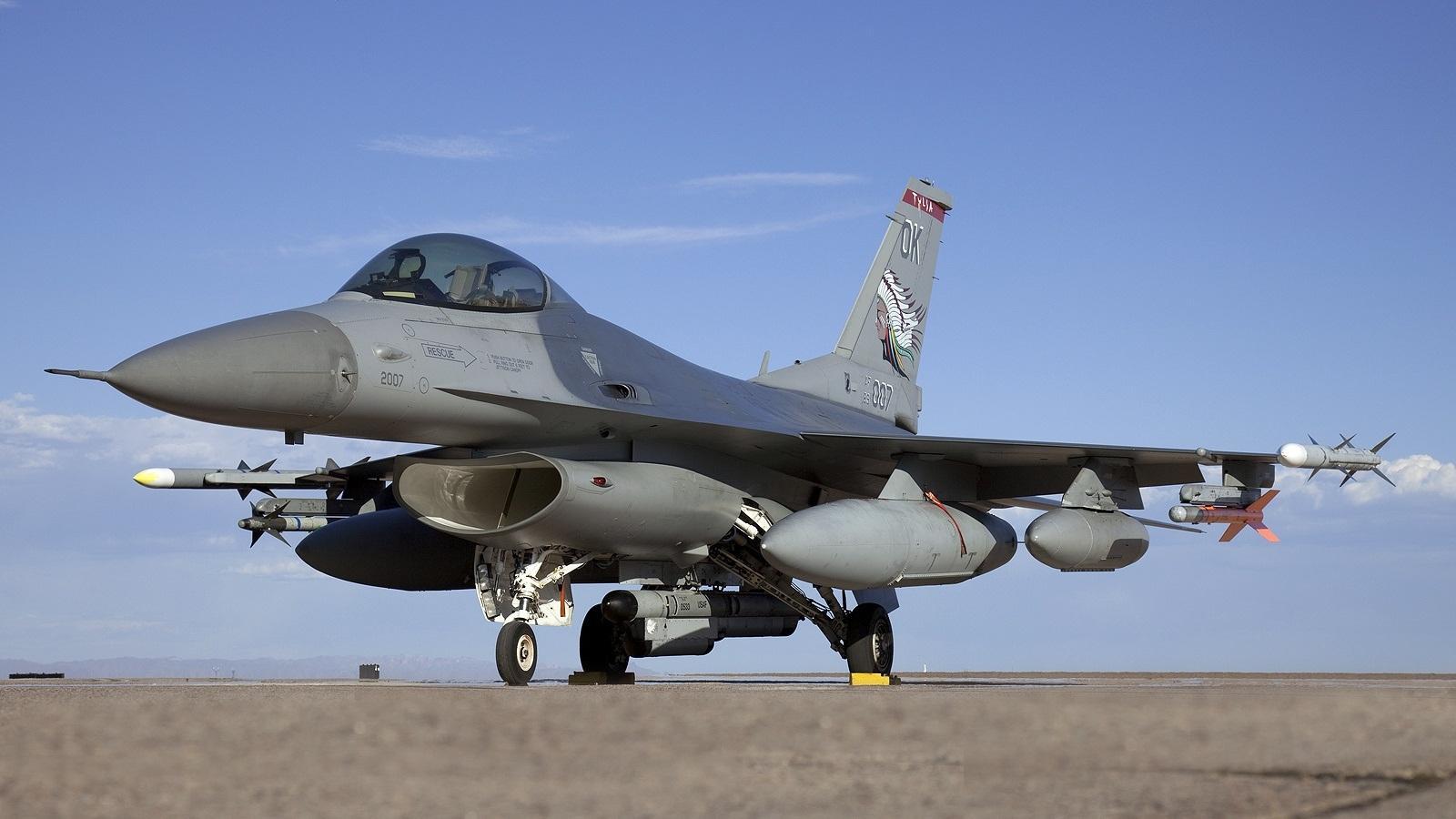 Учения ВВС НАТО в небе над Балтией