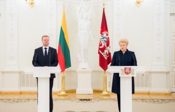 Президент не будет вмешиваться в схватку премьера и лидера социал-демократов