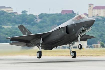 СМИ сообщили о скорой переброске истребителей F-35 ВВС США в Эстонию