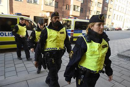 Мигрантов в Швеции посадили за групповое изнасилование в прямом эфире