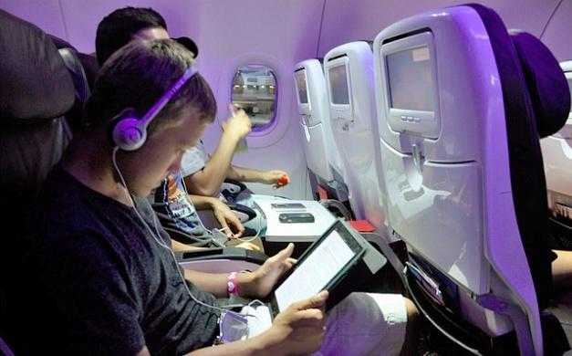 США запретят провоз электронных устройств на самолетах из Европы