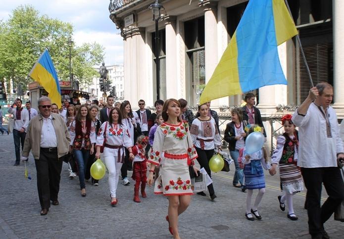 """В Украине инициировали возвращение графы """"национальность"""" во все документы"""