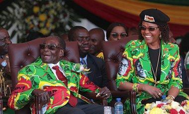 93-летний президент Зимбабве начал кампанию за свое переизбрание