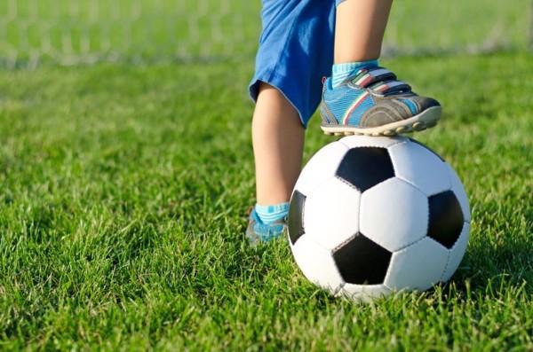 Футбольную команду сняли с турнира, обвинив 8-летнюю девочку в том, что она мальчик