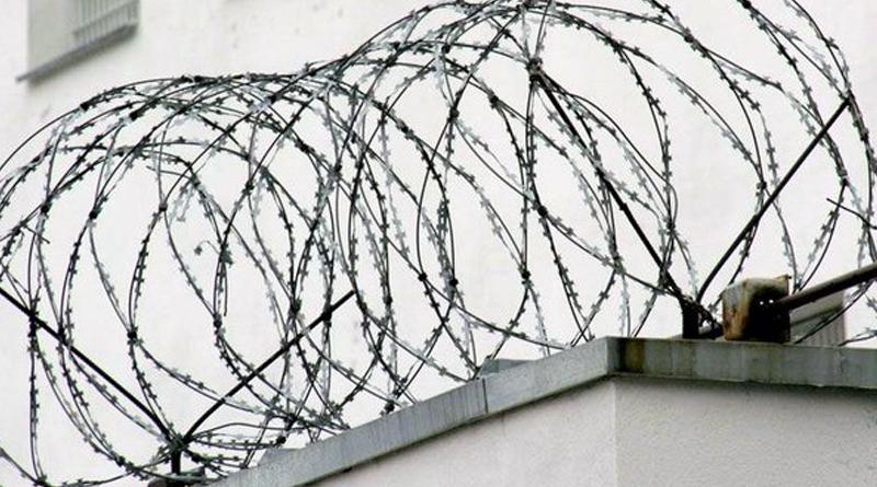 В Беларуси заключенные пытались сбежать из колонии на тракторе