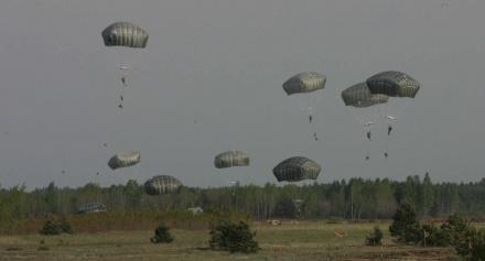 «Железный волк» уграниц РФ: вЛитве начались крупнейшие учения НАТО
