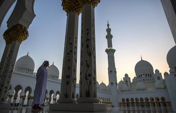 Одна из крупнейших мечетей Абу-Даби переименована в честь христианской Богоматери