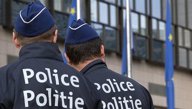 """В Брюсселе военный застрелил мужчину, предположительно, в """"поясе смертника"""""""