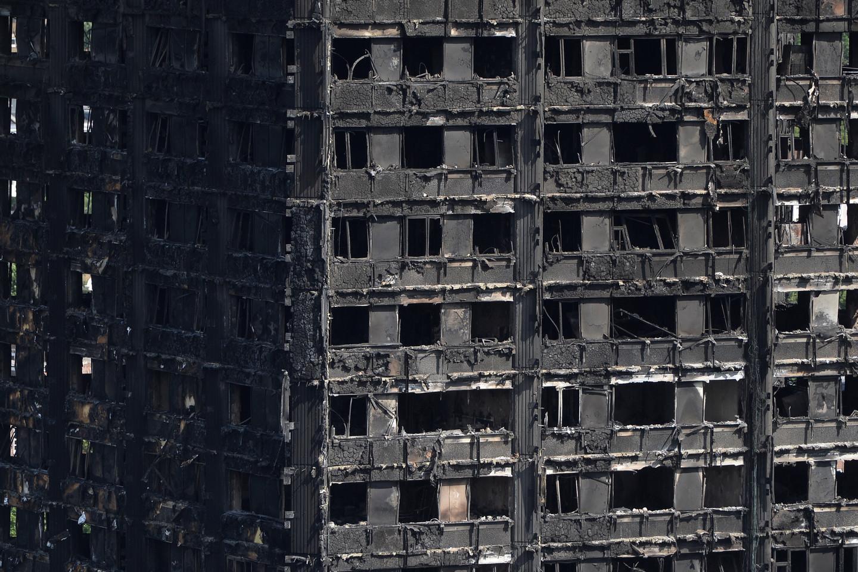 Sky News назвал возможную причину гибели людей при пожаре в Лондоне