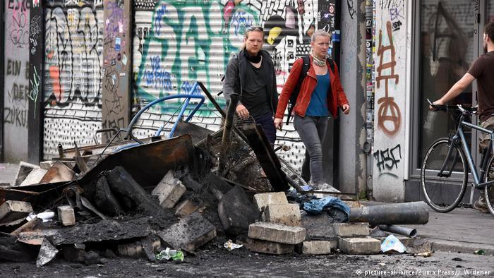 Арестованным в связи с беспорядками в Гамбурге россиянам грозит до 10 лет тюрьмы
