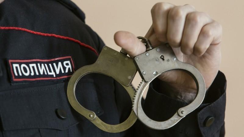 Mercedes стоимостью 12 млн рублей похитили у безработной москвички