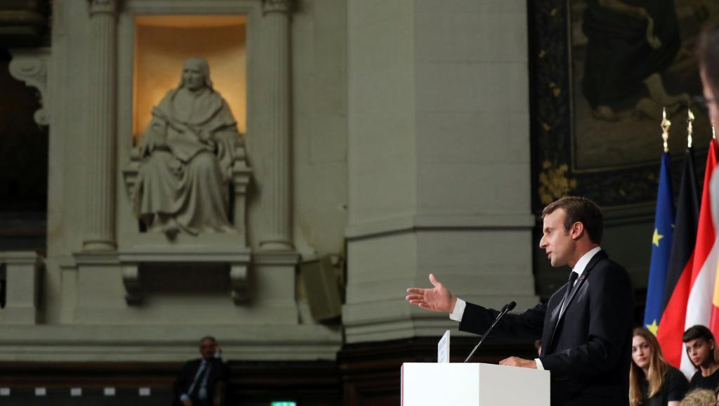 Президент Франции предложил сделать единую армиюЕС