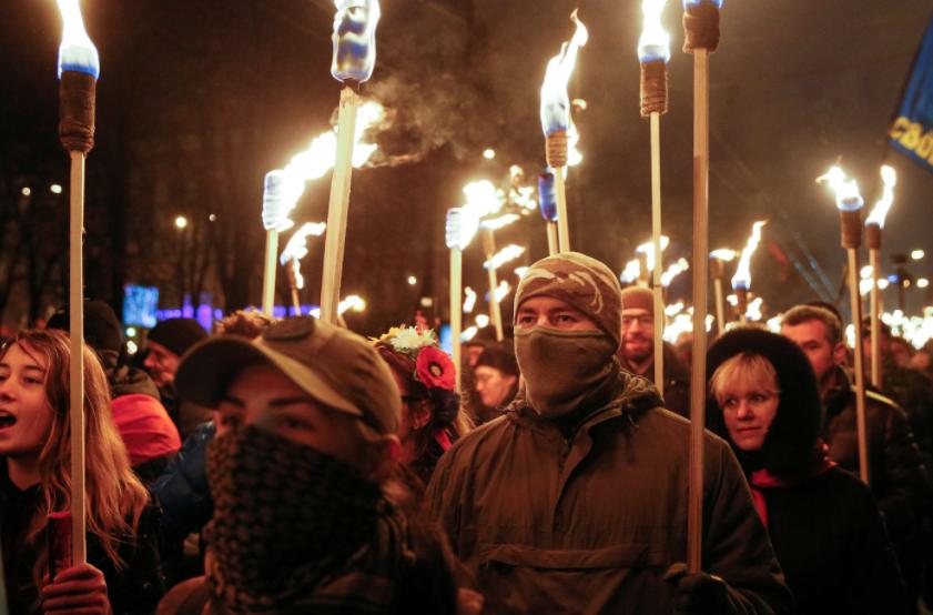 Националистов со всей Украины свозят на марш УПА в Киев
