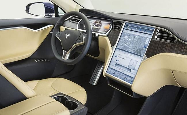 Винтернете повились изображения грузового автомобиля Tesla Semi