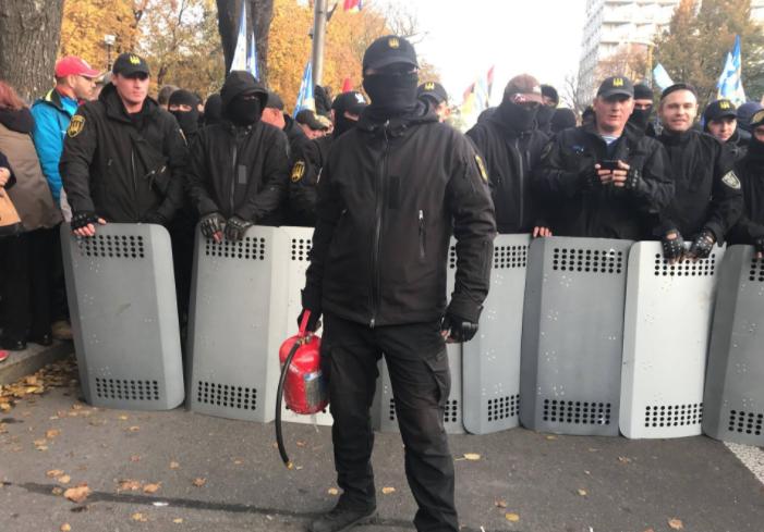 """Украинские СМИ сообщают о """"захвате"""" части правительственного квартала"""