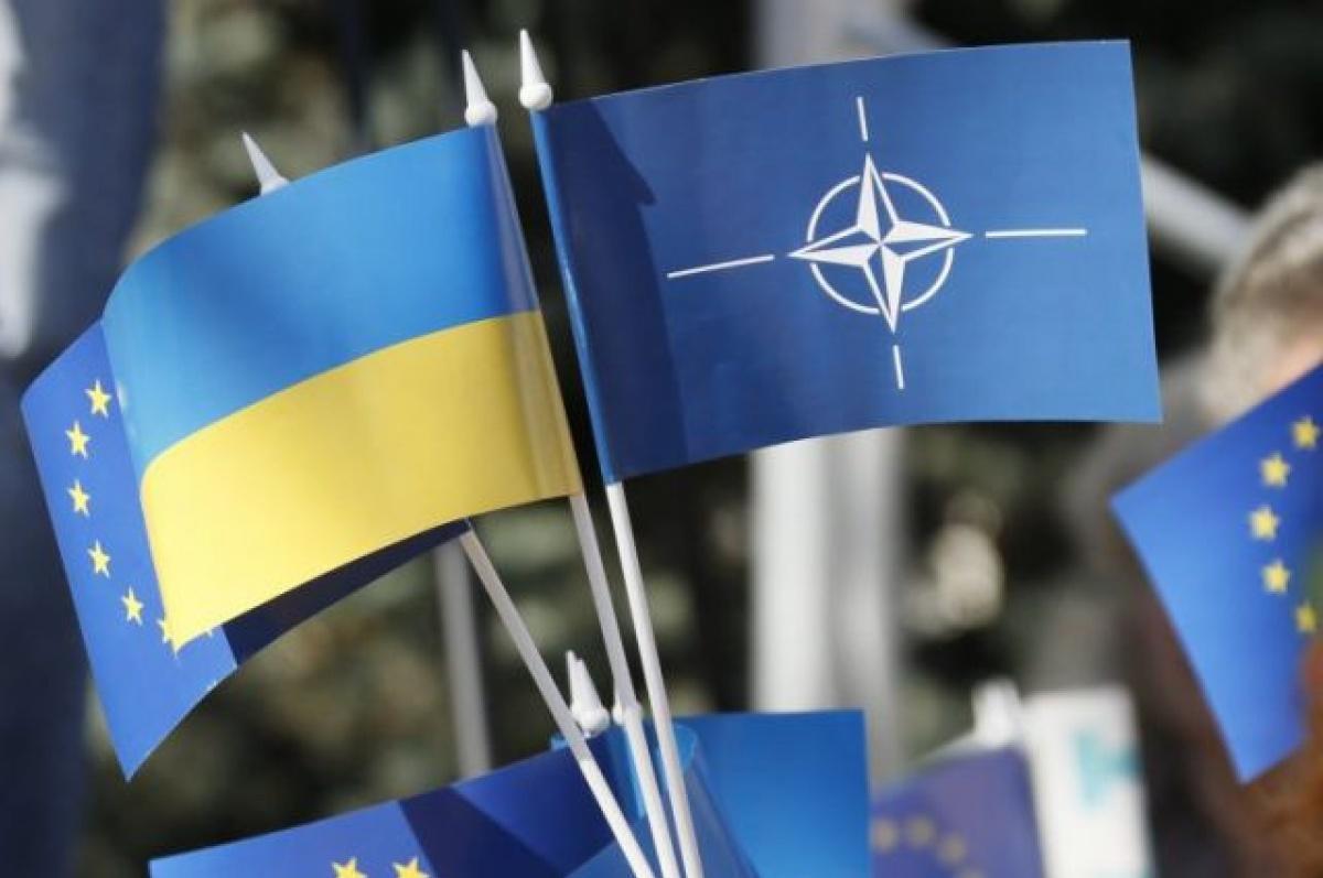 Сийярто объявил, что Венгрия наложила вето наследующее совещание комиссии Украина— НАТО