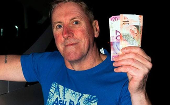 Шотландец вернул найденные 30 фунтов и обогатился в тот же день