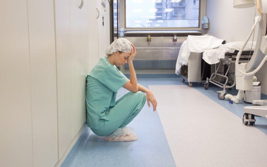 Власть и часть медиков Литвы договорились о поднятии зарплат до 2020 года