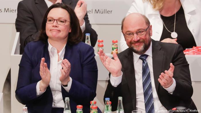 """Кризис в Германии преодолен: Съезд СДПГ проголосовал за начало переговоров о """"большой коалиции"""""""