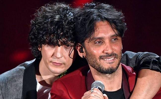 В Италии на фестивале песни в Сан-Ремо победил дуэт с композицией о терактах