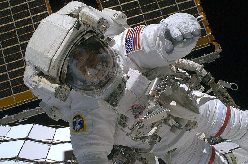 Вильнюсские школьники в прямом эфире пообщались с астронавтом в космосе
