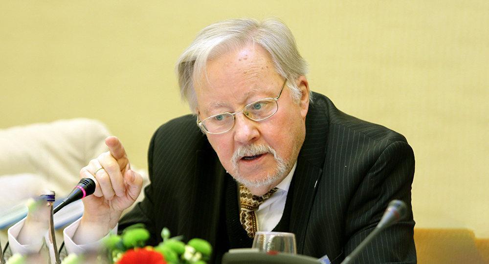 Ландсбергис придумал необычный способ борьбы с эмиграцией из Литвы