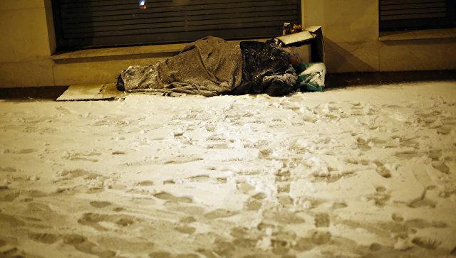 Во Франции чиновники будут спать на улице, чтобы стать ближе к бездомным
