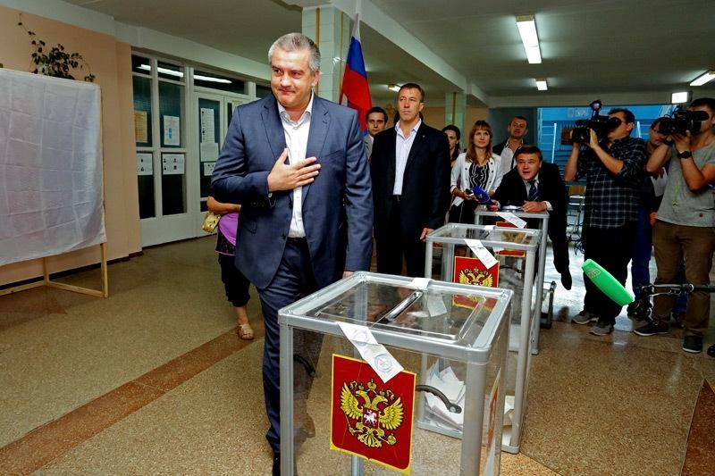 Главы МИД восьми стран договорились не признавать итоги выборов РФ в Крыму