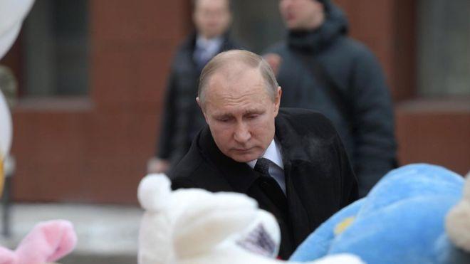 Пожар в Кемерове: прилет Путина и стихийный митинг