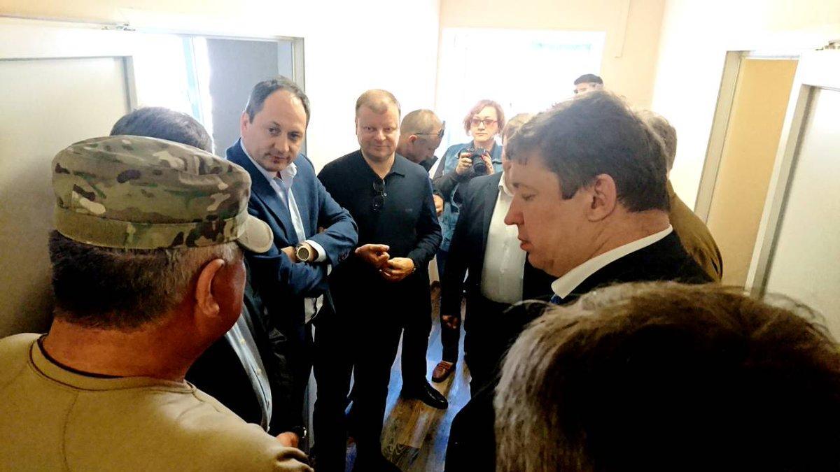 Премьер-министр Литвы посетил прифронтовую Авдеевку