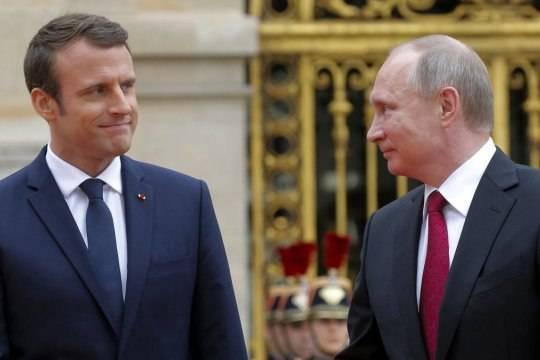 Эммануэль Макрон призвал Запад не быть слабым перед Путиным
